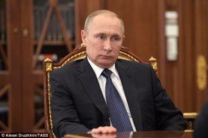 """Donald Trump spiato, Russia respinge accuse: """"Completamente false"""""""