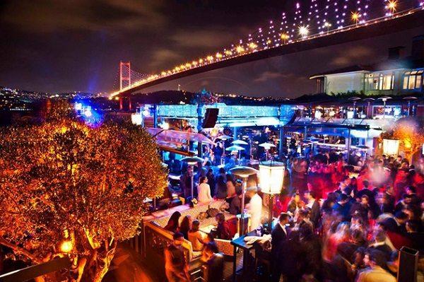 Attentato Istanbul: il Reina, club dei vip sul Bosforo