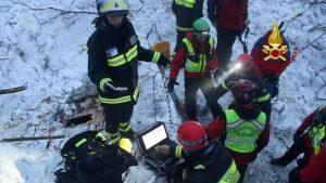 Rigopiano, recuperati altri due corpi: morti salgono a 27. Ancora 2 dispersi