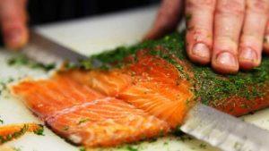 Salmone, parassita frena produzione: salgono prezzi