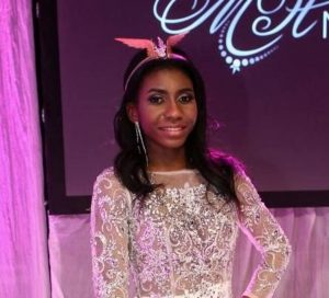 """Miss Finlandia 2017 è nigeriana. Critiche sul web: """"Brutta, scelta politically-correct"""" FOTO"""