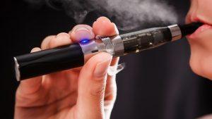 Sigarette elettroniche, nuovo rapporto Usa dice che fanno male