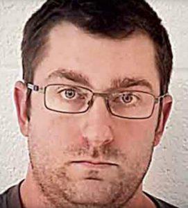 Va da Walmart e spruzza sperma sulle donne usando siringa: arrestato