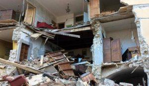 Terremoto, casa distrutta. Ecco chi risarcisce