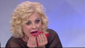"""Tina Cipollari a Striscia la Notizia: """"Io rifatta? Sono solo ingrassata"""""""