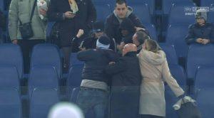 Lazio, Tounkara rischia il Daspo per il pugno al tifoso