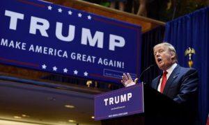 """Donald Trump """"congela"""" per tre mesi l'immigrazione"""