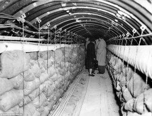 Berlino Est, il tunnel costruito da Cia e M16 per ascoltare i sovietici
