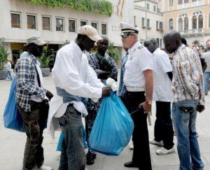 Venezia, la polizia municipale si dota delle videocamere nascoste (foto Ansa)
