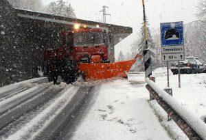 Meteo e neve, consigli per guidare: viaggiate solo se...