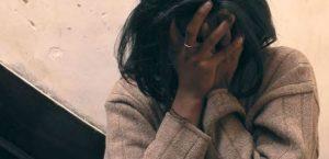 """Migranti, 16enne incinta abbandonata davanti ospedale: """"Mi hanno..."""""""