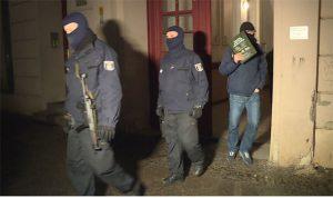 Germania, maxi blitz anti Isis: arrestati reclutatore tunisino e tre sospetti, sgominata cellula