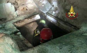 """Hotel Rigopiano: """"Le vittime quasi tutte morte sul colpo"""" (foto Ansa)"""