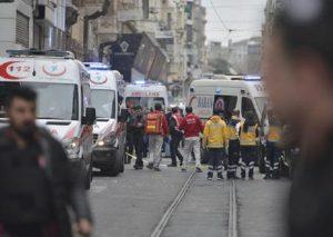 Istanbul, uomini armati prendono in ostaggio staff dell'ospedale