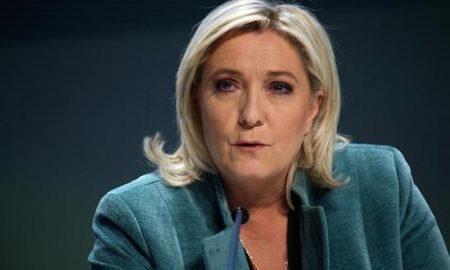 Dalla Francia monta la marea Le Pen, il giornalista non la vede ma ci travolgerà