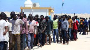 """Migranti. Tusk: """"Ue chiuda corridoio libico"""". Ma al Serraj: """"Dalla Ue pochi soldi"""""""
