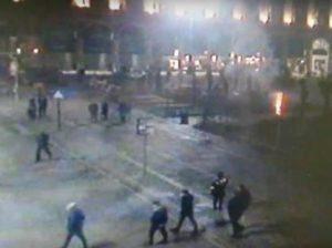Palme in piazza Duomo, Milano? Orribili. Dar loro fuoco è da dementi