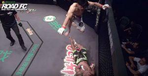 MMA: il brutale calcio in faccia all'avversario: squalificato
