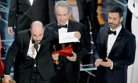 Oscar 2017: chi ha dato la busta sbagliata a Warren Beatty? Inchiesta a L. A.