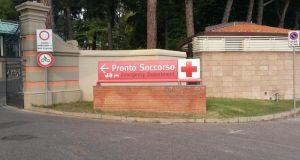 Prato, intonaco si stacca e colpisce neonato: ricoverato in ospedale