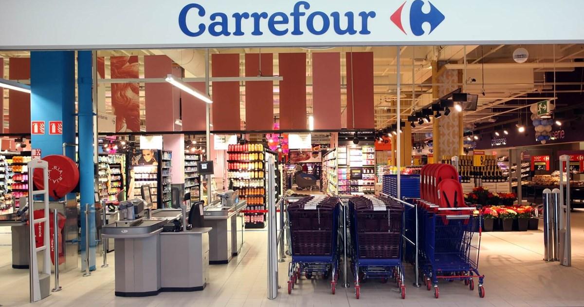 Burolo, ragazza si toglie la vita alle casse del Carrefour