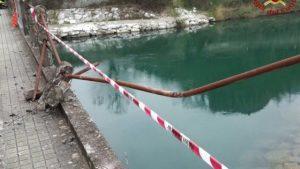 Pisa, auto nel fiume: tre le vittime rimaste intrappolate all'interno