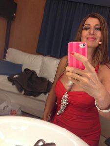Antonio Palmese e le foto rimosse: è Loretta Rossi Stuart la donna senza veli