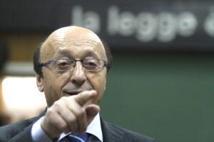 Luciano Moggi docente in un corso per procuratori. In rete scoppia la polemica