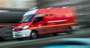Pullman diretto a Torino prende fuoco in autostrada: tutti salvi