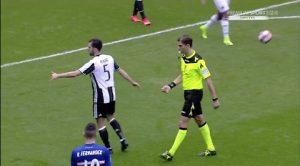 """Juventus, Pjanic diffidato non viene ammonito da Tagliavento e gli dà il """"cinque"""""""