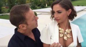 Malena la Pugliese spalma la crema a Rocco Siffredi che non si tiene...