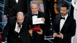 Oscar 2017, responsabili dell'annuncio sbagliato sotto scorta