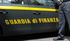 Napoli, 69 arresti per favori ai Casalesi. Coinvolti imprenditori e politici campani