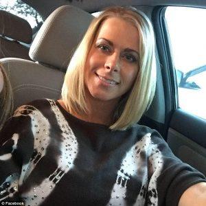 California, fotografa 42enne ha rapporti con tre minorenni a scuola: arrestata