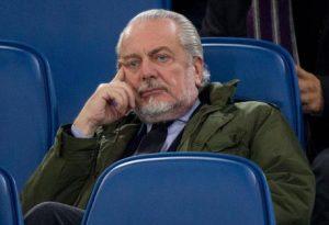 """Rigore per la Juve"", De Laurentiis: ""Striscioni parlano chiaro"""