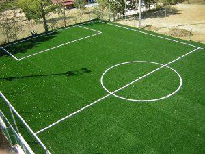 Calcio, campi in erba sintetica ricettacolo di batteri pericolosi
