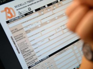 Tasse, imposta unica da 100mila euro l'anno per attirare i ricchi stranieri
