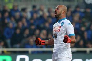 Napoli-Juventus, Pepe Reina in dubbio per elongazione al soleo