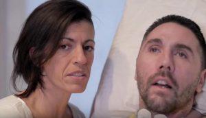 Dj Fabo con la fidanzata Valeria (foto Ansa)