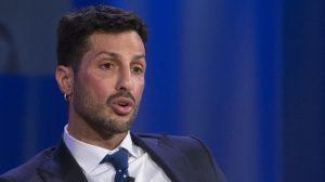 Fabrizio Corona, ritocchini in cella: iniezioni di filler, botox...
