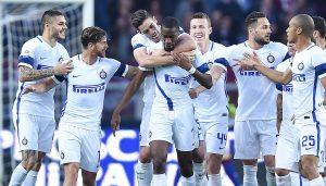 I calciatori dell'Inter esultano dopo un gol (foto Ansa)