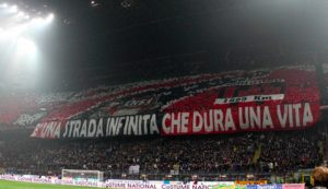 """Milan, Curva Sud avverte: """"Noi ci siamo e vi osserviamo..."""""""