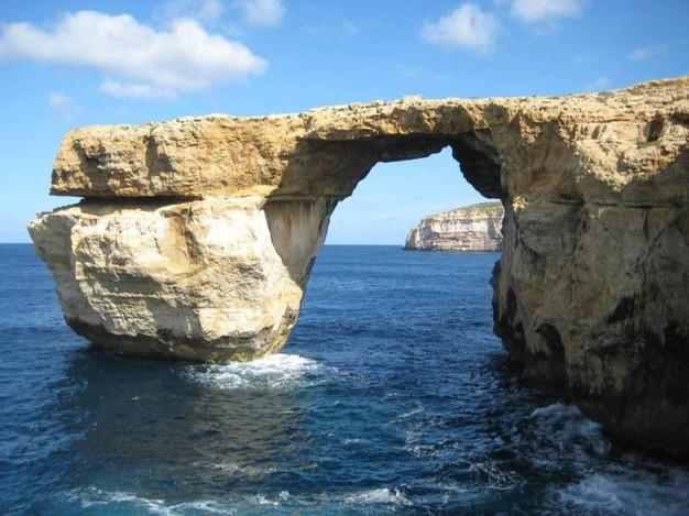 Malta crolla finestra azzurra arco naturale su mare - Malta finestra azzurra ...