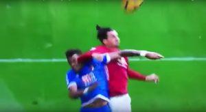 Video, Ibrahimovic vs Bournemouth: rigore sbagliato e gomitata