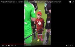 Germania, mascotte ignorata dai calciatori (VIDEO)