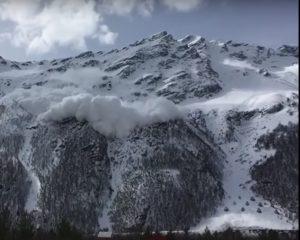 Slavina killer nel Caucaso, quattro morti sul monte Cheghet (VIDEO)