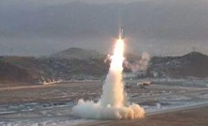 Guerra nucleare in arrivo? L'ipotesi choc dopo missili della Corea del Nord