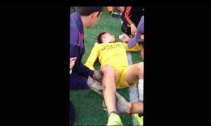 YouTube, Juan Carvajal infortunio shock: rotula gli esce dal ginocchio