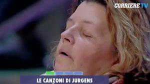 """VIDEO Paolo Bonolis, signora del pubblico si addormenta ad """"Avanti un altro"""""""