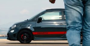 VIDEO YOUTUBE Abarth, ecco la 124 Spider Scorpione, 595 Pista e 695 XSR Yamaha
